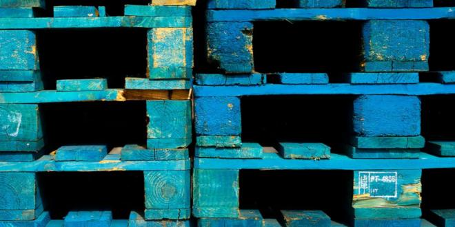 Holzpaletten 660x330 - Logistik 4.0 – es gibt viele Gründe die Logistik outzusourcen