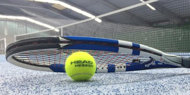 Tennishallen - Ästhetik und Werkstoffe im Einklang