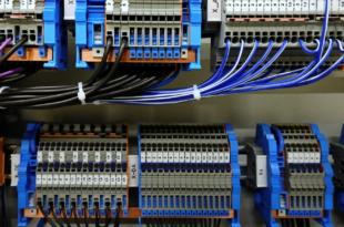 Schaltanlage 310x205 - In Schaltanlagen ist die Industrie 4.0 angekommen