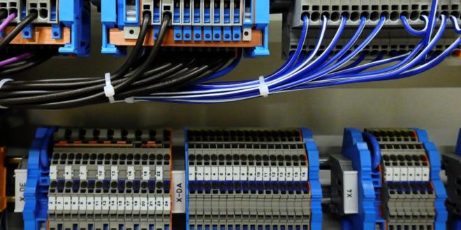 Schaltanlage 660x330 - In Schaltanlagen ist die Industrie 4.0 angekommen